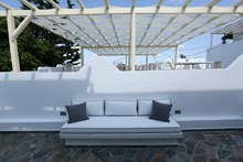 The White Suites. Apartments, Milos, Cyclades
