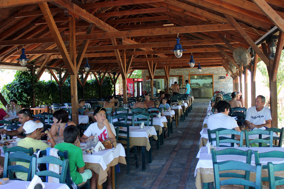 Tavern «To Metohi». Ammuliani)