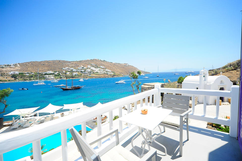 Ornos bay view from Kivotos Mykonos)