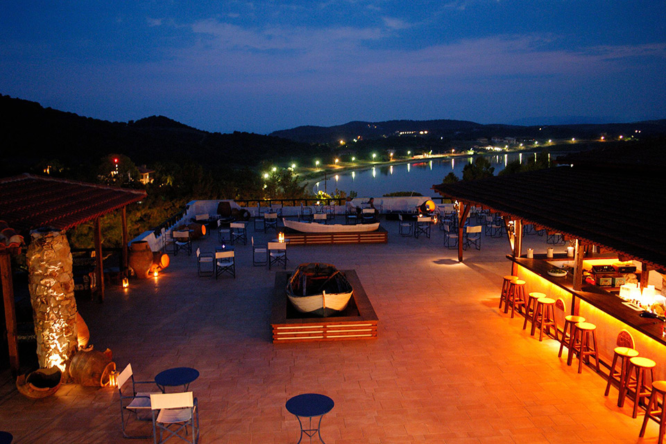 Agionissi Resort Hotel. Greek food)