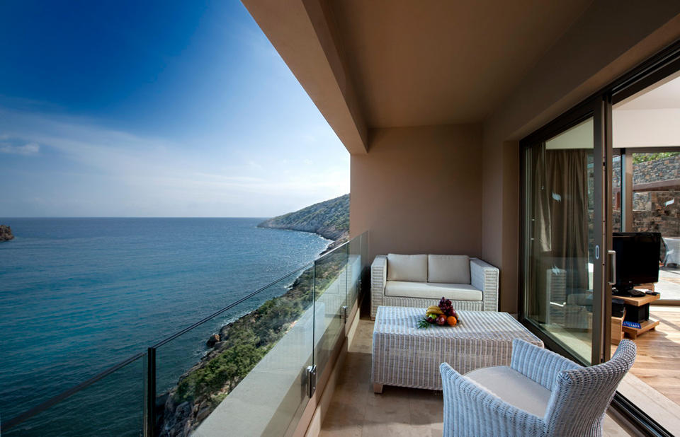 Daios Cove Luxury Resort & Villas)