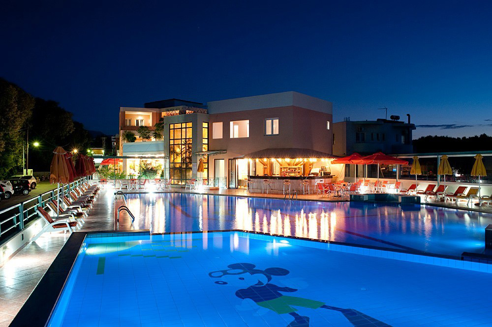 Ilianthos Village Luxury Hotel & Suites)
