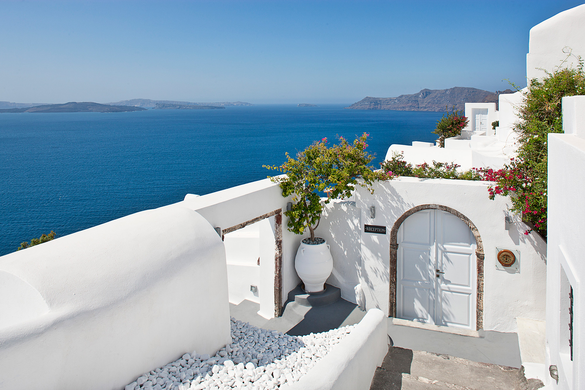 Canaves oia hotel santorini cyclades for Hotel a santorin