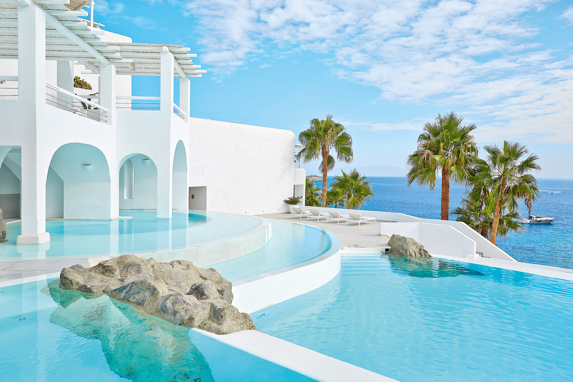 Grecotel mykonos blu exclusive resort mykonos cyclades for Exklusive luxushotels