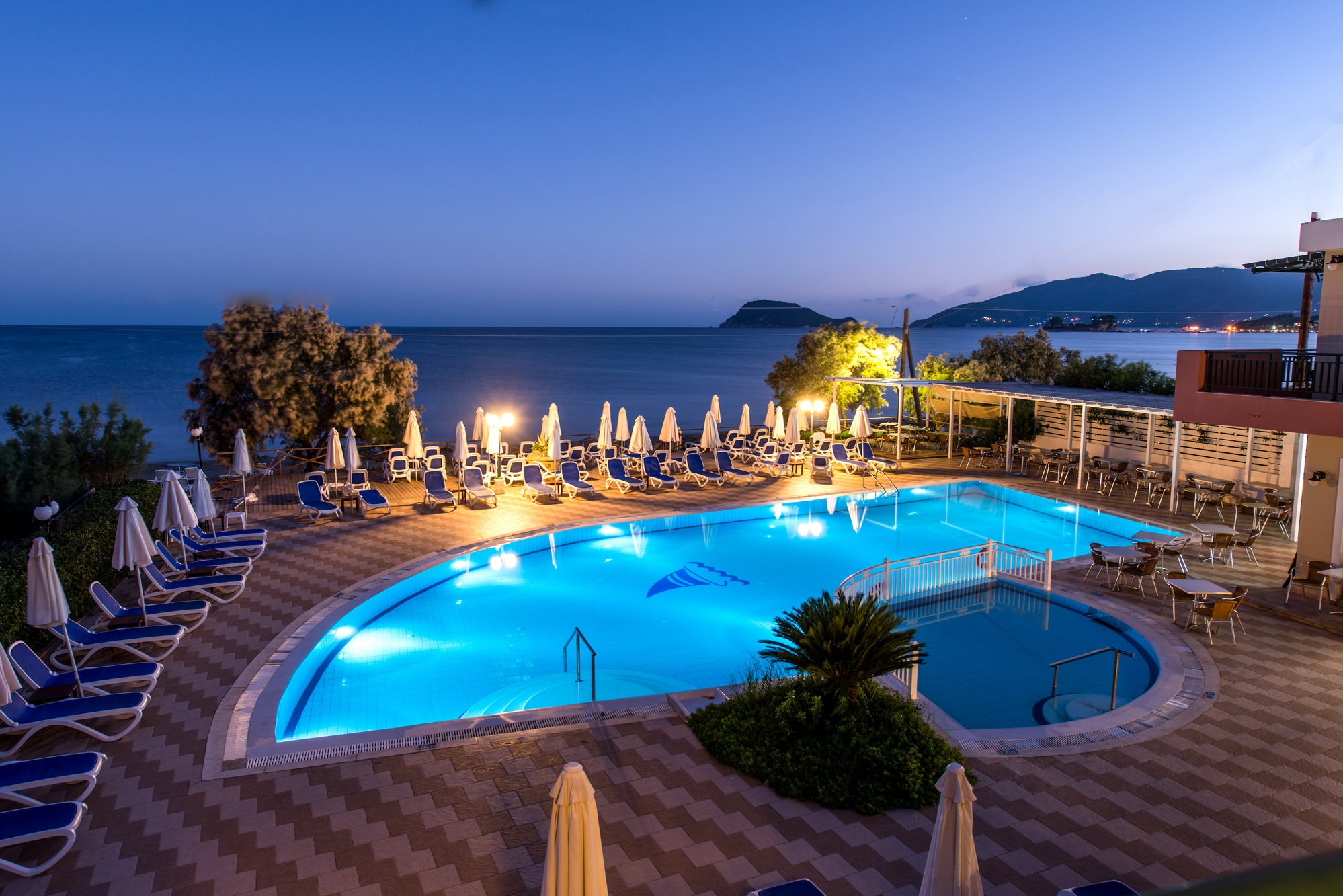 Mediterranean beach resort laganas zakynthos for Appart hotel montpellier avec piscine