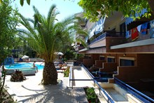 Philoxenia Spa Hotel & Villas. Πευκοχώρι