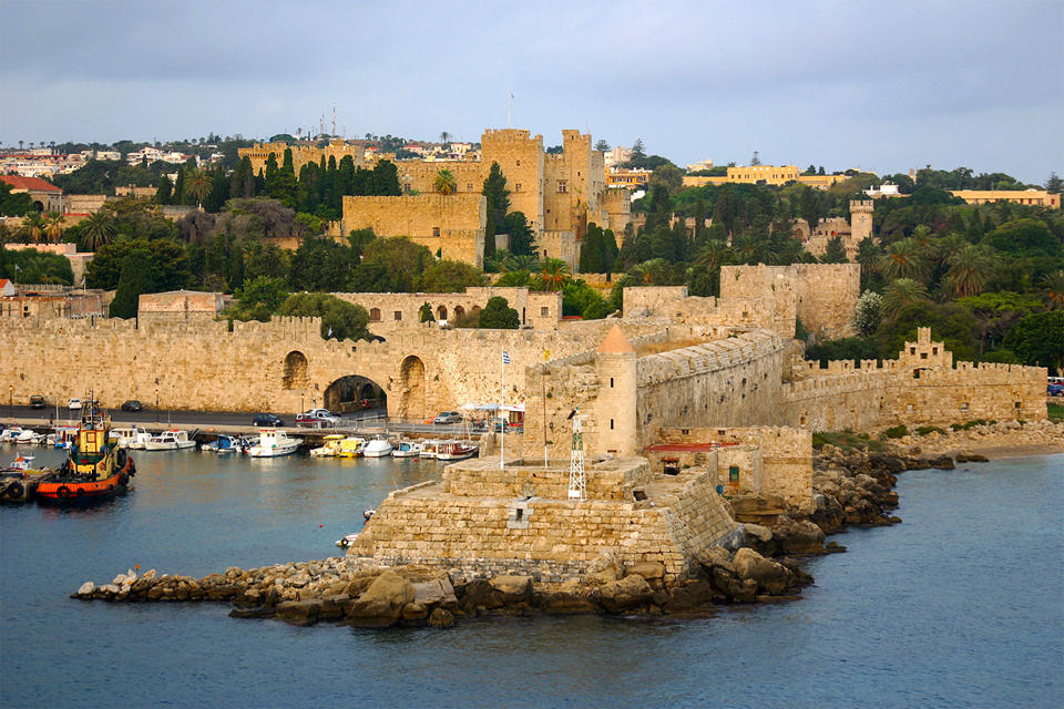 The Walled City of Rhodes)