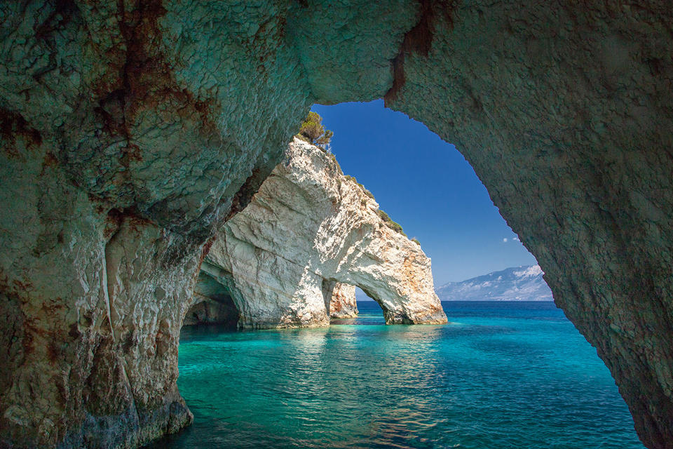 Blue Caves)