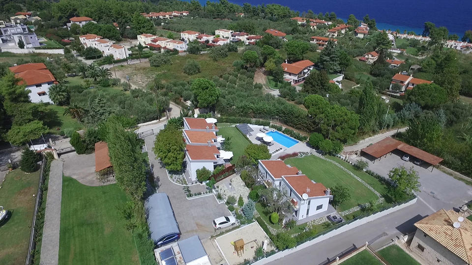 Pleiades Boutique Villas. Κρυοπηγή