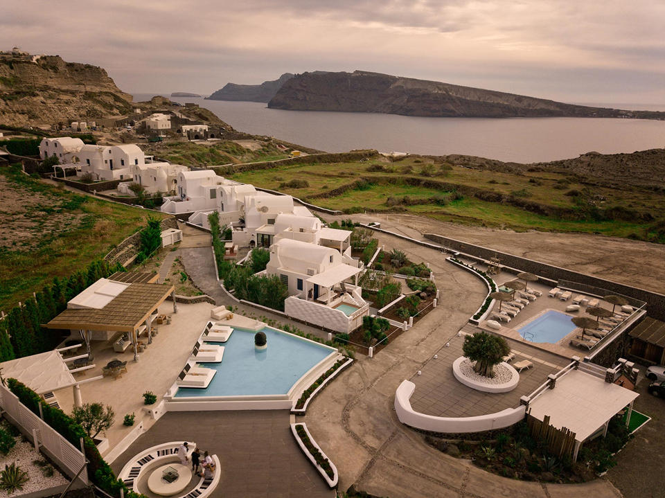 Oia Sunset Villas)