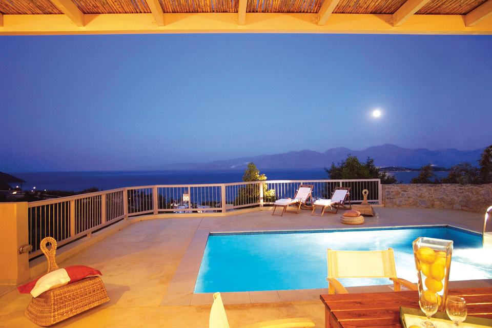 Pleiades Luxurious Villas)