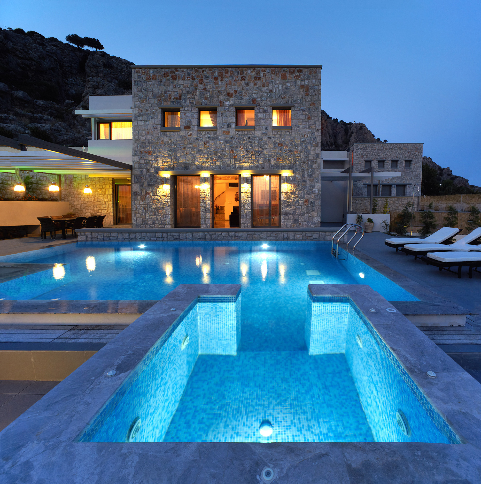 Blue dream luxury villas villas rhodes for Alarme piscine home beach